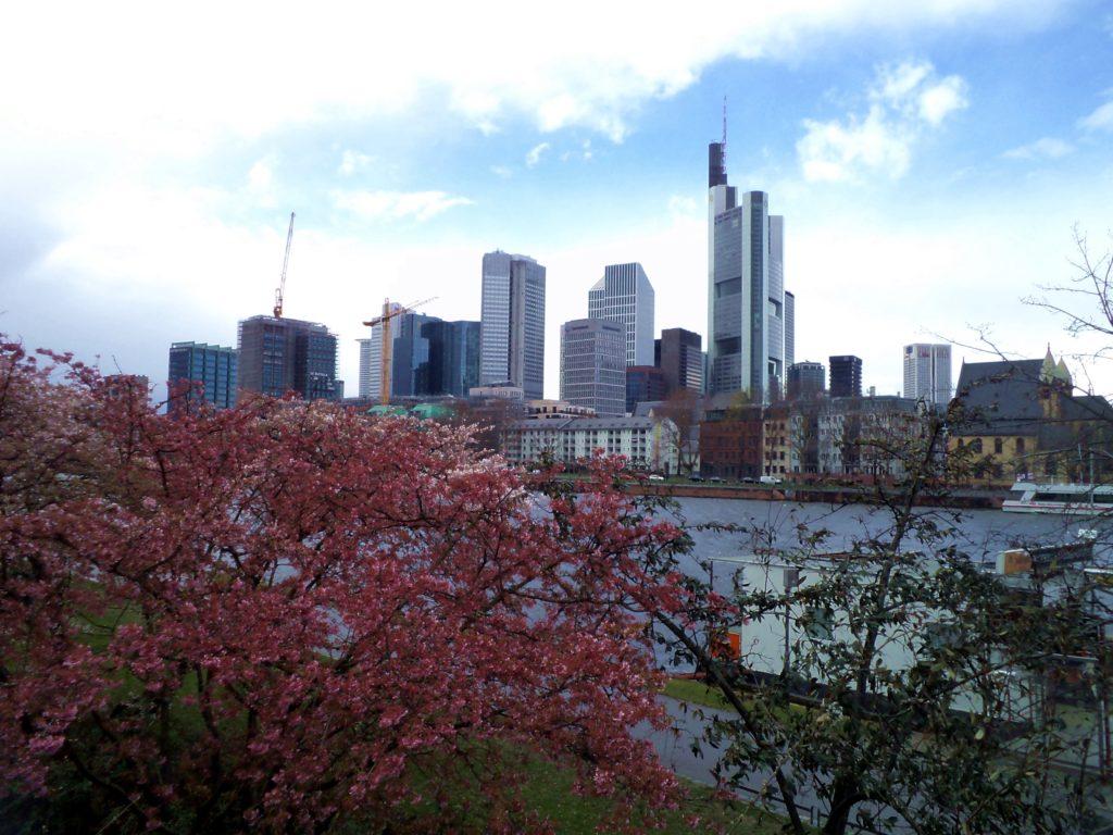 Nebostyrgachite vyv Frankfurt
