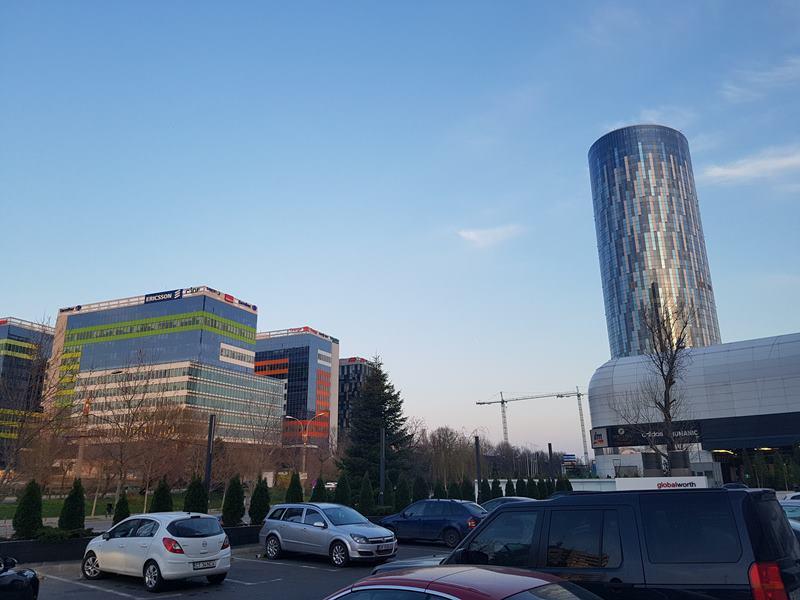 Небостъргачът Sky Tower в Букурещ