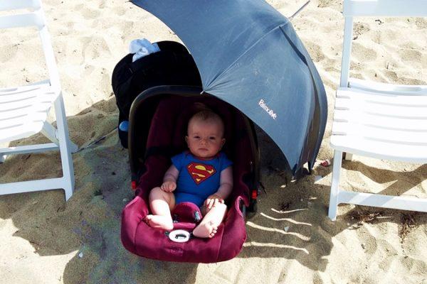 Анди на плаж в Агия Триада, Гърция