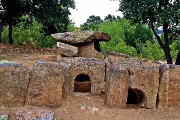 trakijski dolmen